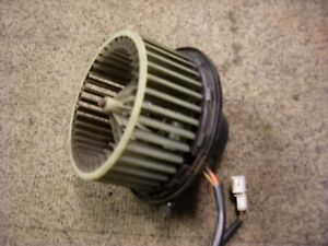 VW-Transporter-t4-heater-blower-motor-from-a-2001-1-9-td-in-good-working-order