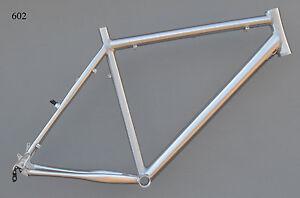 Superlight-Mountainbike-Rahmen-54-cm-Alu-gebuerstet-silb-26-034-Disc-V-Brake-NR602