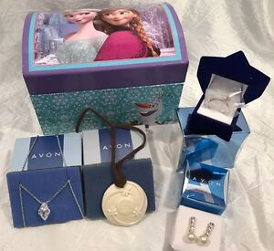 Avon Frozen Musical Jewelry Box with 4 Pieces of Jewelry NEW IN