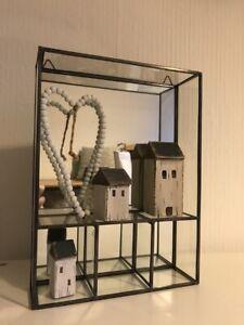 kleiner Wandschrank m/Spiegelfront und 3 Fächern, Regal, Kabinett