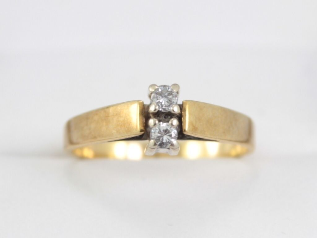 Diamond Engagement Ring 14K gold Ladies Size P Ideal Gift 585 V44