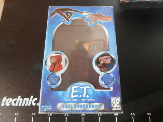E.T.. The Terrestrial Toy Universal Studios Action Figure