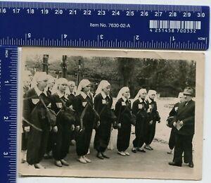Vintage-Photo-USSR-Women-training-civil-defense-uniform-medical