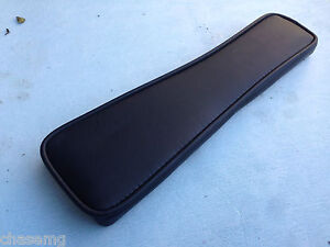 mgb-vinyl-armrest-black-black-piping-fits-mgb-and-gt-1972-onwards-BS6-7