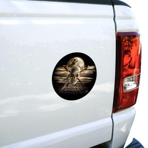 Pirate Skull Crossed Swords Cutlasses Ocean Moon Car Circle Magnet