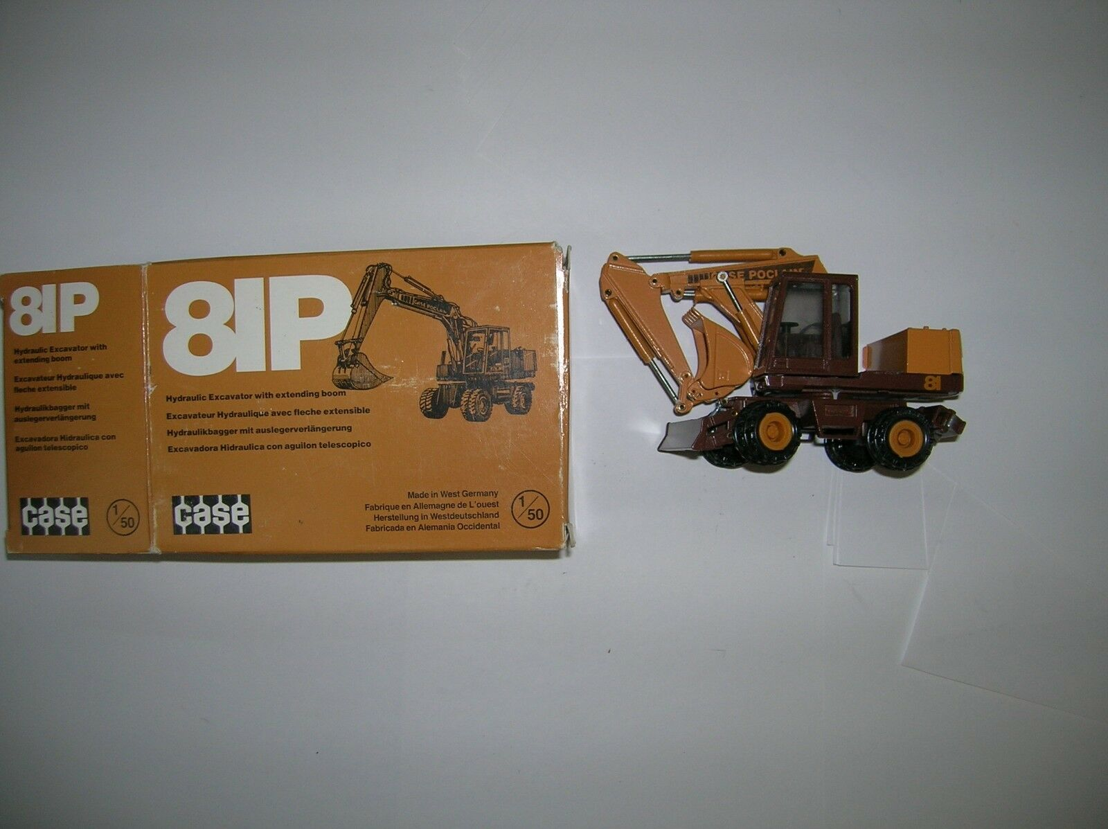 CASE  81P   DIE CAST EXCAVATOR     1 50 ,NEW BOXED , LOT   16109