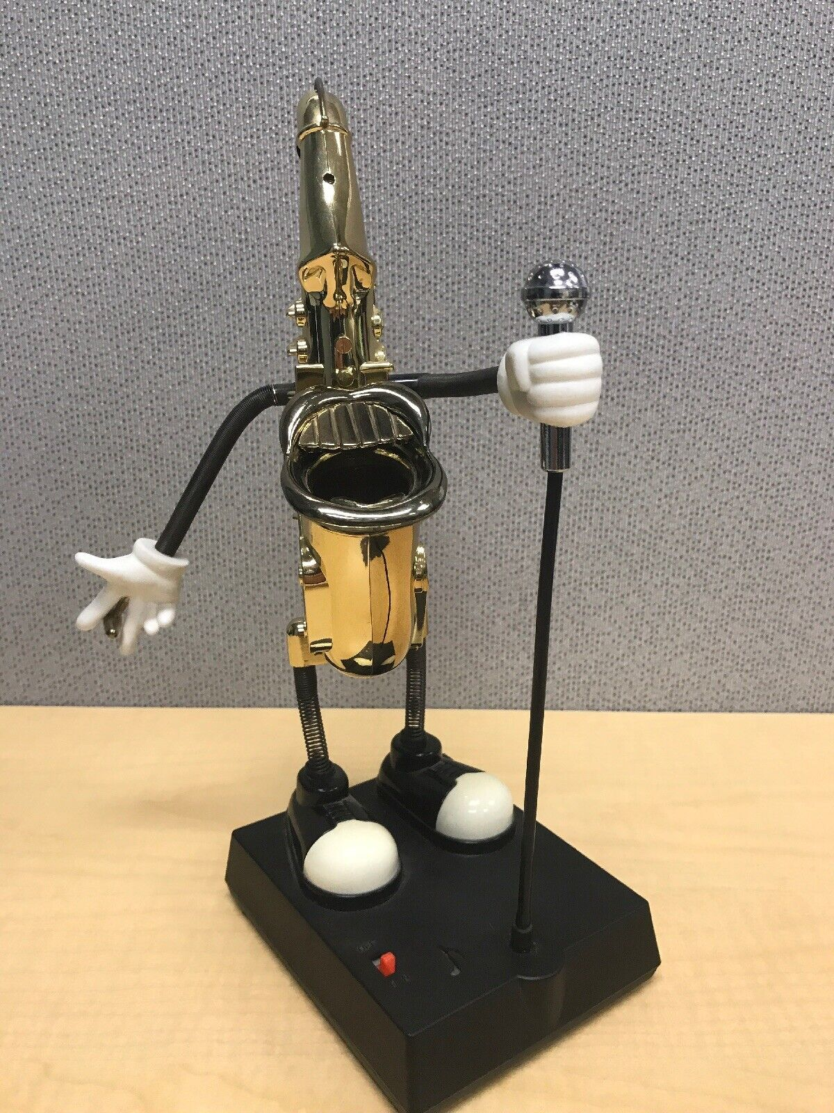 Dancing gold Saxophone Figure Missing Sunglasses Sound Sensor by WACO Desk Toy