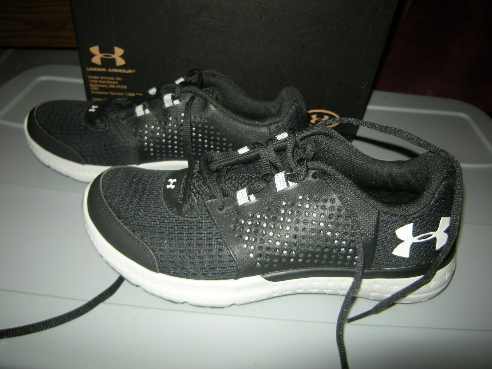 Brand New Womens Black & White Under Armour Micro Fuel Tennis Shoes, 11