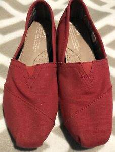 TOMS Red Canvas Women's Slip On Shoes U