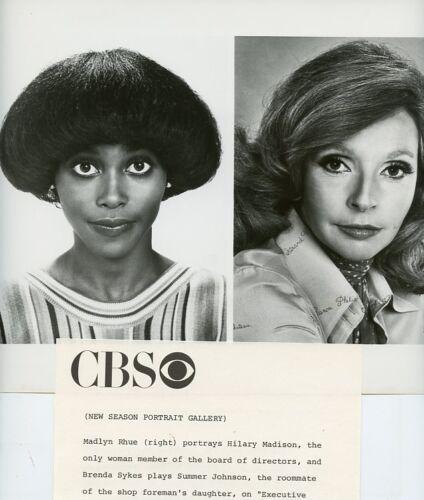 BRENDA-SYKES-MADLYN-RHUE-PORTRAIT-EXECUTIVE-SUITE-ORIGINAL-1976-CBS-TV-PHOTO