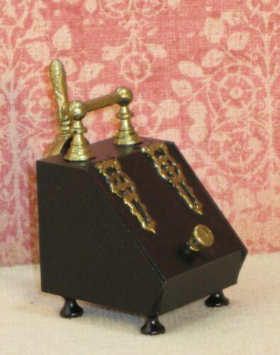 Coal Scuttle - Artisan Dollhouse Miniature LPH-DH145A Closed