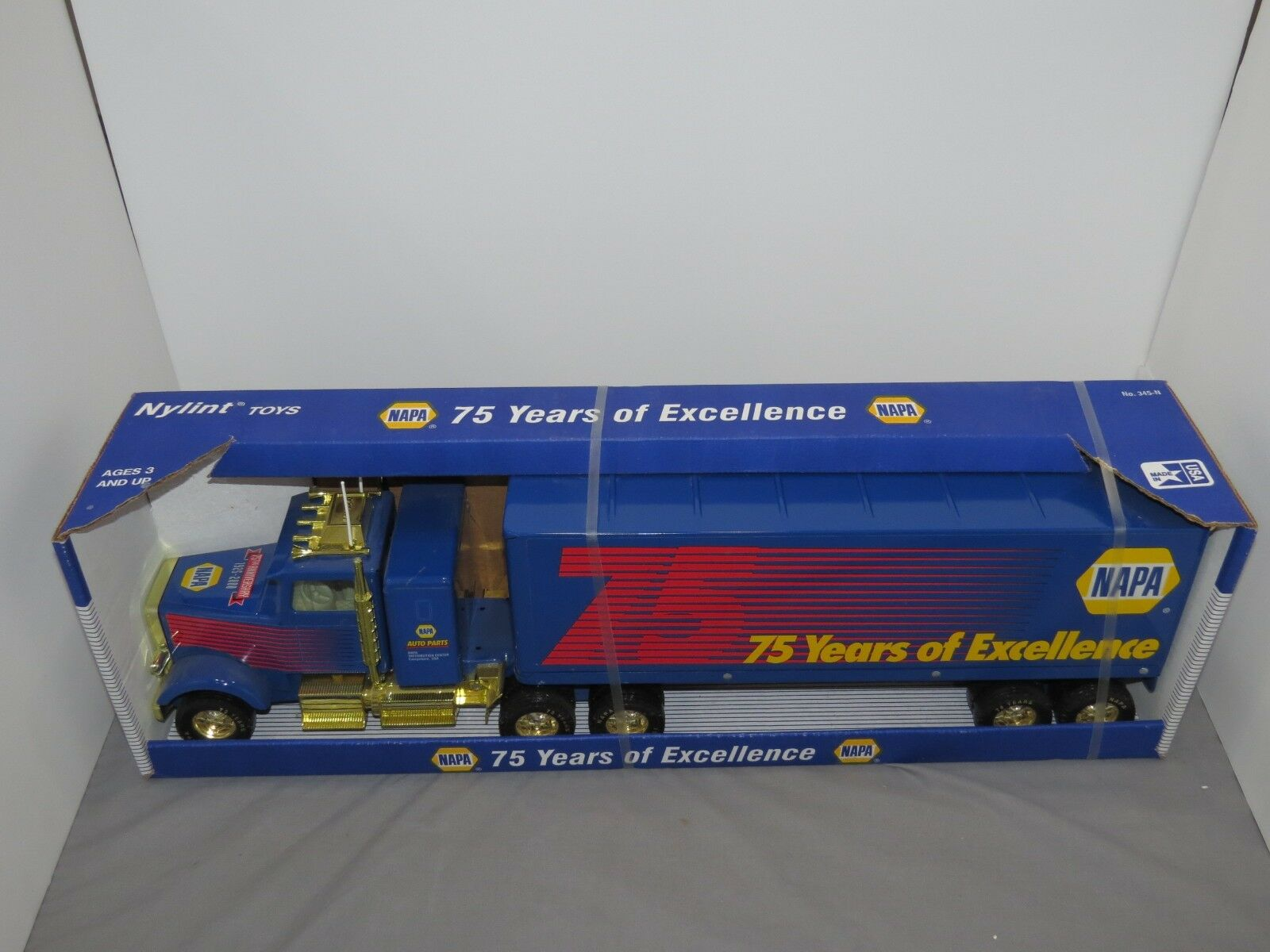 NYLINT NAPA Auto Parts store 75 ans d'excellence camion New in Box Nice
