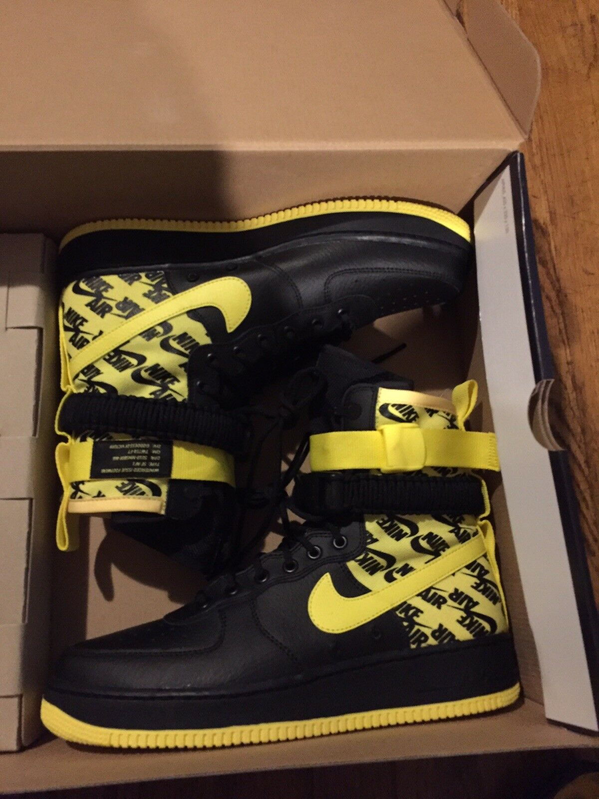 Nike Air Force 1 SF-AF1 Special Field Boots  Mens Sz 11 Yellow Black AR1955-001
