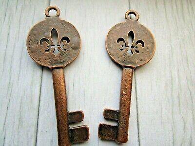 Antique Copper Skeleton Keys Wedding Vintage Metal Pendants DIY Wholesale 2 Pcs