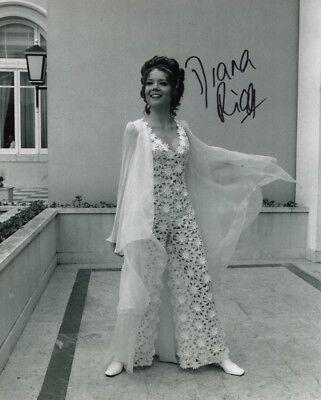 Photographs Entertainment Memorabilia Diana Rigg Signed On Her Majesty's Secret Service 007 Photo W/ Hologram Coa