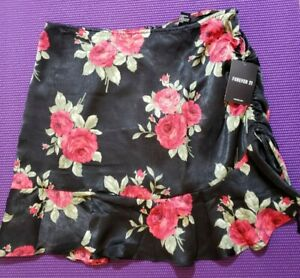 Ruched Rose Print Mini Skirt, Size Large, Brand New, Never Worn, Forever 21