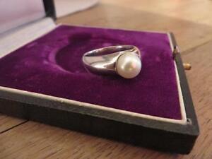 Huebscher-925-Silber-Ring-Design-Perle-Massiv-Modern-Elegant-Schlicht-ca-8-4-Gr