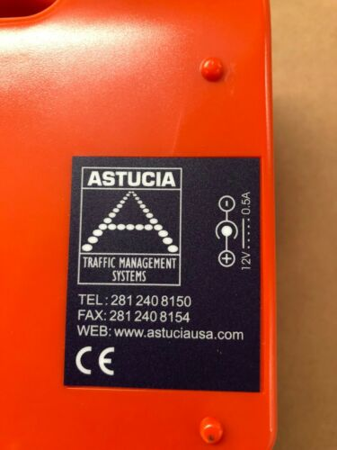 Recharges in case from 12v Car socket Flashers Astucia Hazzard warning lights