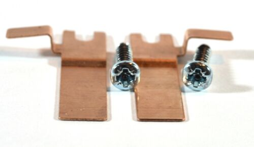 HORNBY - L3064 & L3065 - Pair of Brass Ringfield Brush Covers & Screws (S1147).