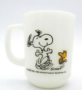 Snoopy-amp-Woodstock-Fire-King-Milk-Glass-AT-TIMES-LIFE-IS-PURE-JOY-Coffee-Cup-Mug