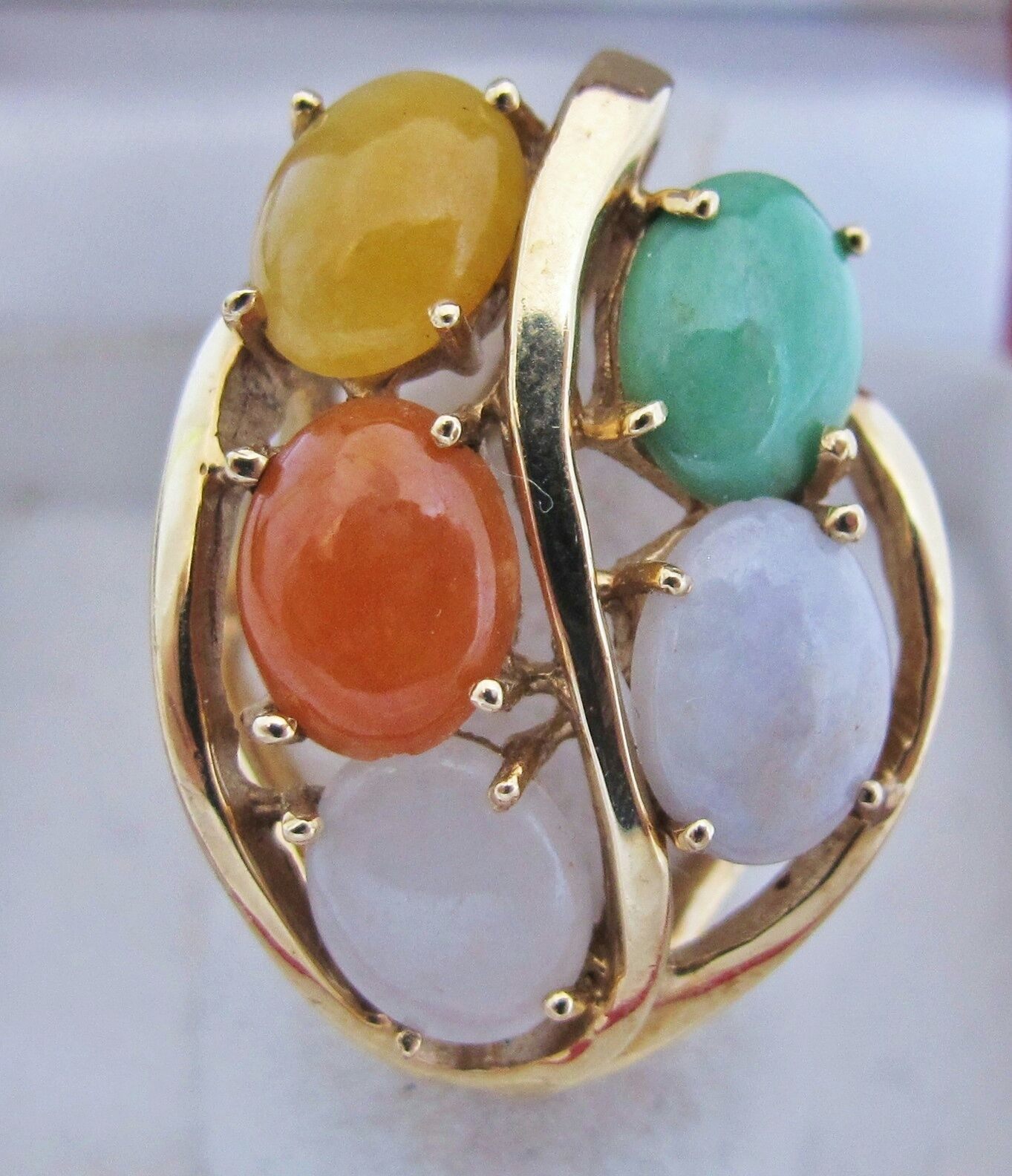 Big 14K Yellow gold & Multicolord JADEITE Jade Ladies Ring (11.3 grams, size 6)