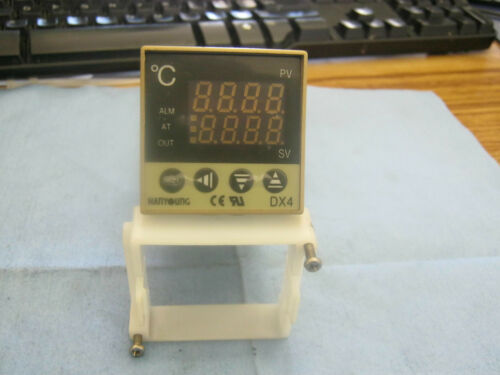 Hanyoung Model DX4 Temperature Controller 12VDC   /< 4-20mADC