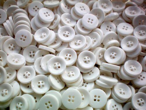 S177 Small 15mm 24L Bianco 4 buche LUCIDO Craft Cardigan schede PULSANTE PULSANTI