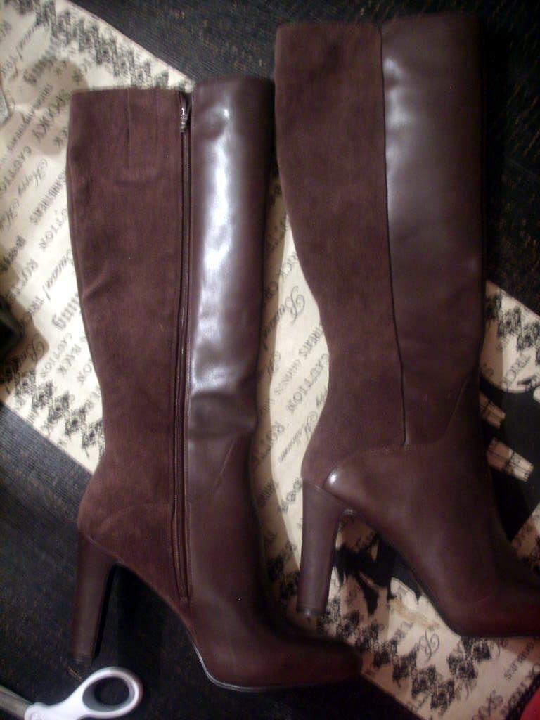 Nine West 9.5 M  189 High Heel stivali Marronee Leather & Suede GetMGirl Zip Close