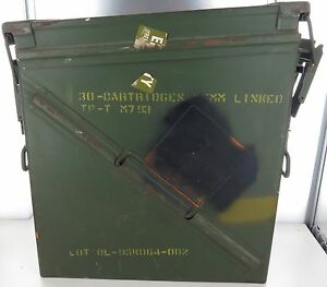HUGE-VINTAGE-US-MILITARY-METAL-AMMO-CARTRIDGE-BOX