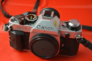 Fotocamera-Canon-AE-1-Program-con-obiettivo-Canon-FD-50mm