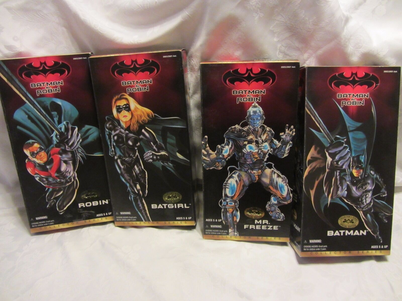 1997 BATMAN & ROBIN COLLECTOR SERIES SPECIAL EDITION  LOT OF 4 MINT CONDITION