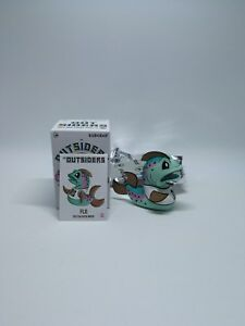 Kidrobot-Joe-Ledbetter-outsiders-Mini-Series-Flo-Worldwide-Free-S-H