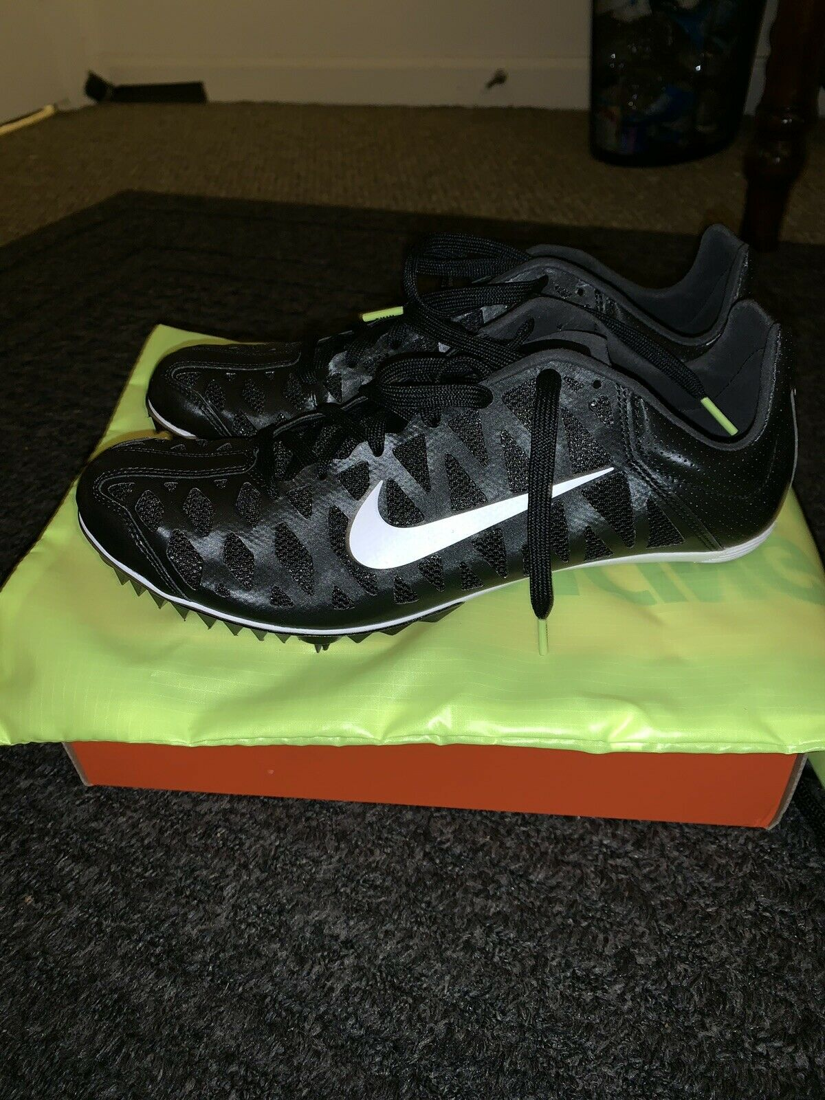 NIKE Zoom Rival M Size 11.5 Track Spikes- Bag & Spikes Included