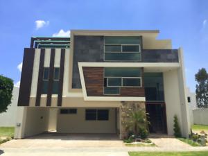 Casa en Venta en Lomas de Angelópolis I