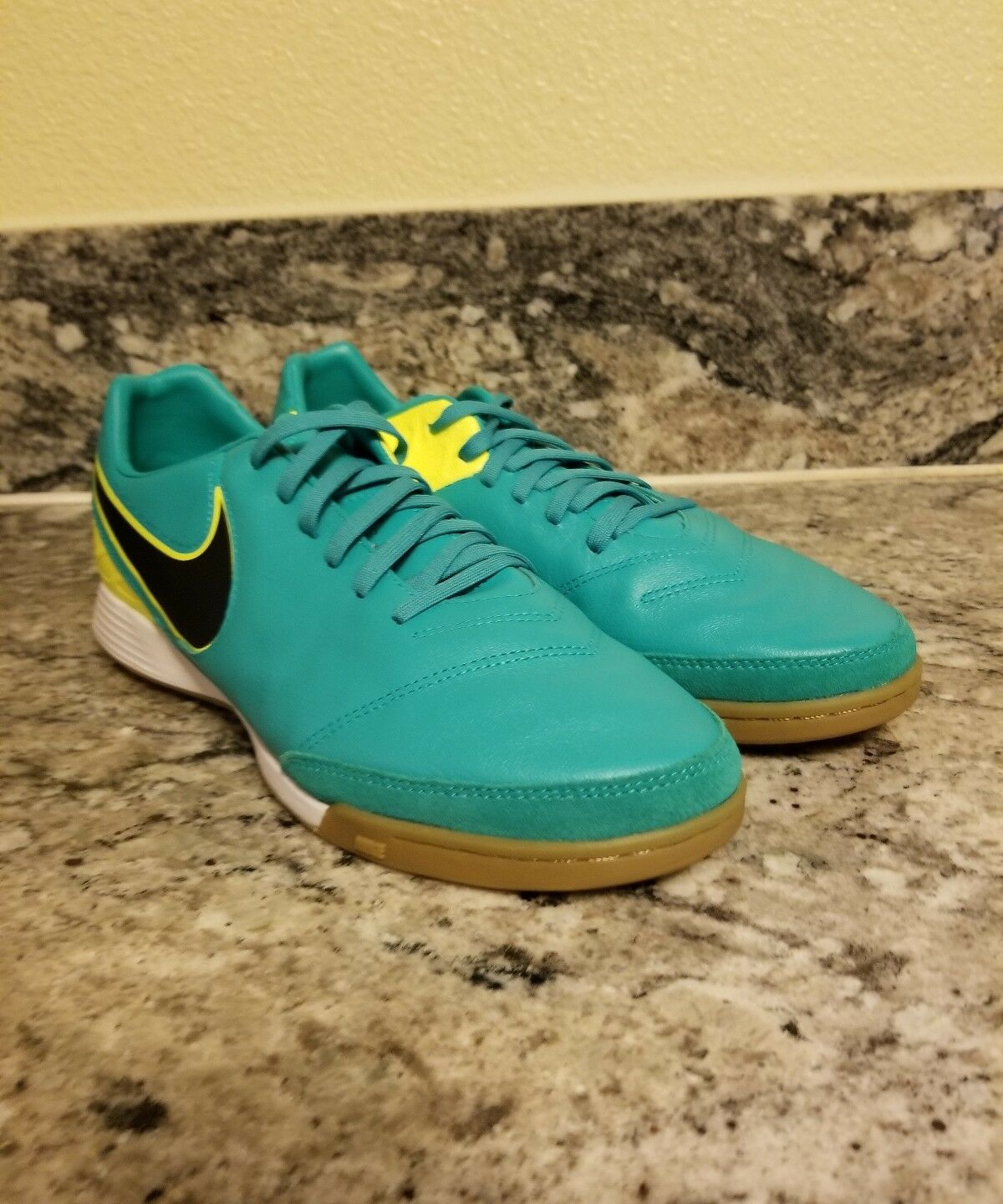 Nike Tiempo Mystic V IC Men's Indoor Soccer Shoes 819222 307 Comfortable Comfortable and good-looking