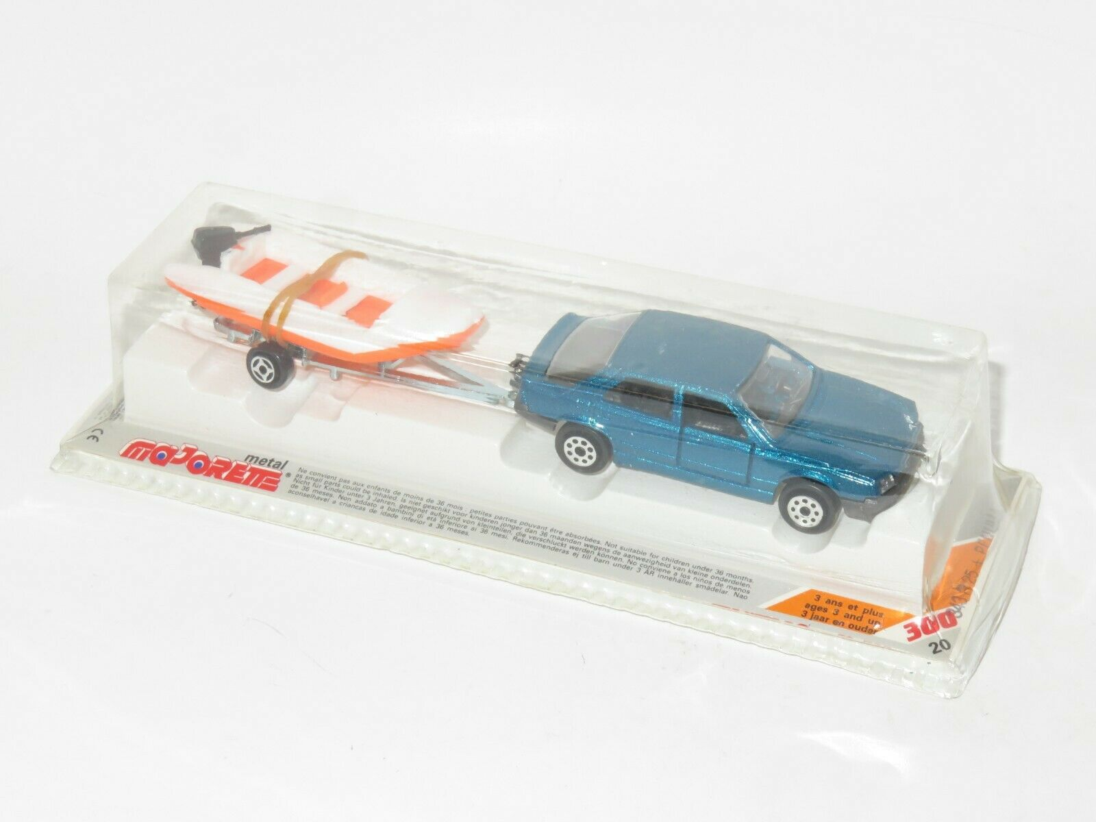 1980`s Majorette 300 300 300 Series - Renault 25 Green metallic  with boat on trailer 2c6807