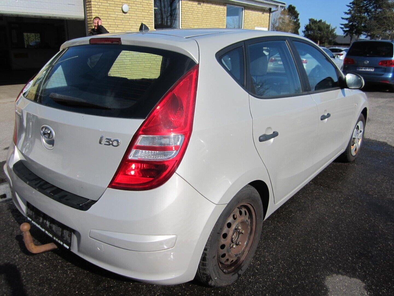 Brugt Hyundai i30 CVVT 109 Classic Sun i Solrød og omegn