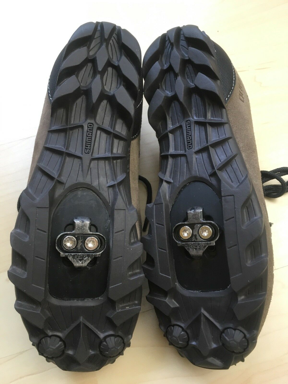Shimano SH-MT22 Cycling scarpe Mountain Road SPD SPD SPD w/Cleats marrone Sz 39 Approx US 6 a7d663