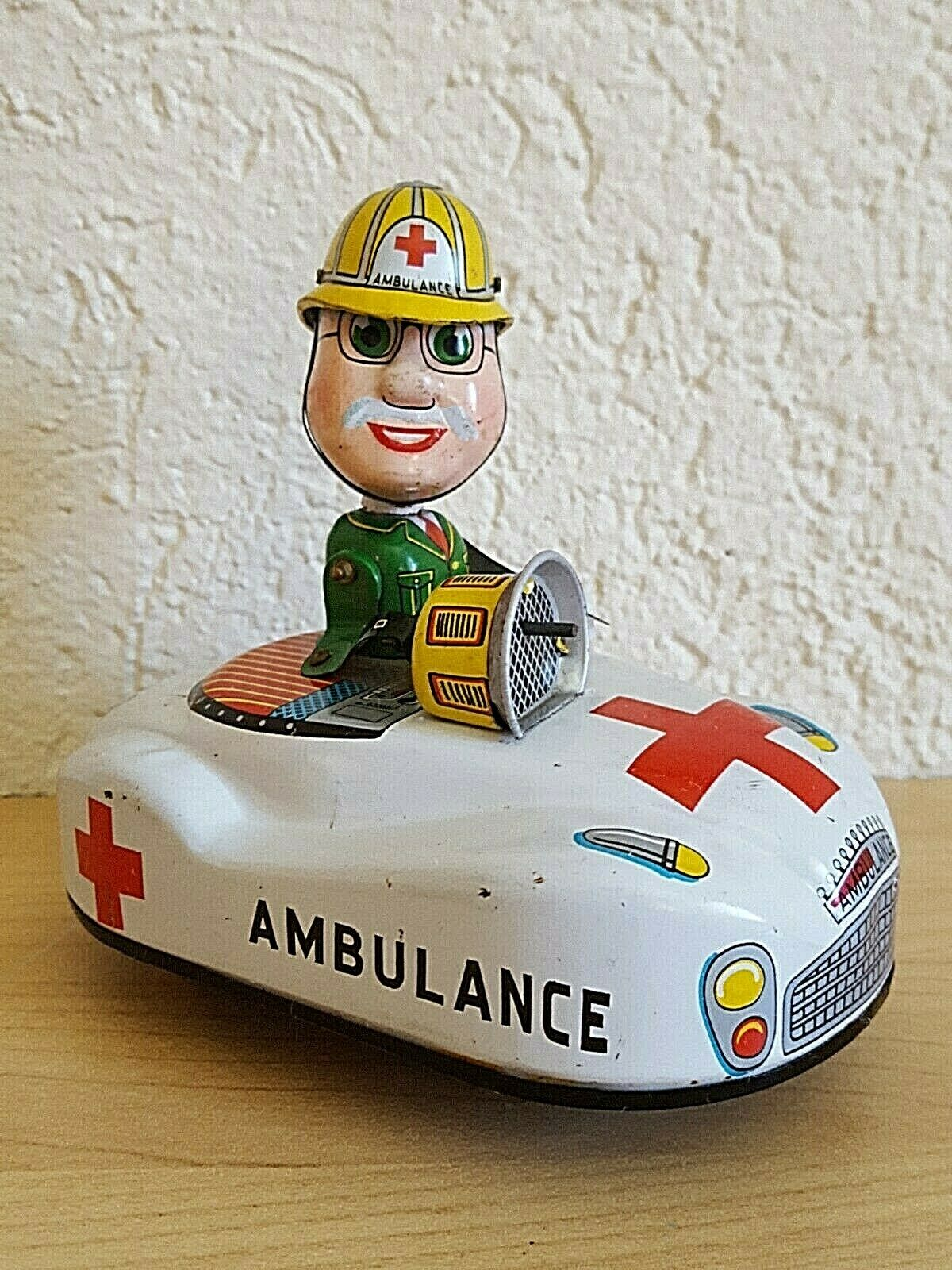 Bump N Go KO Yoshiya Kobe Yoko Wind Up Siren Ambulance Friction Motor Toy Car