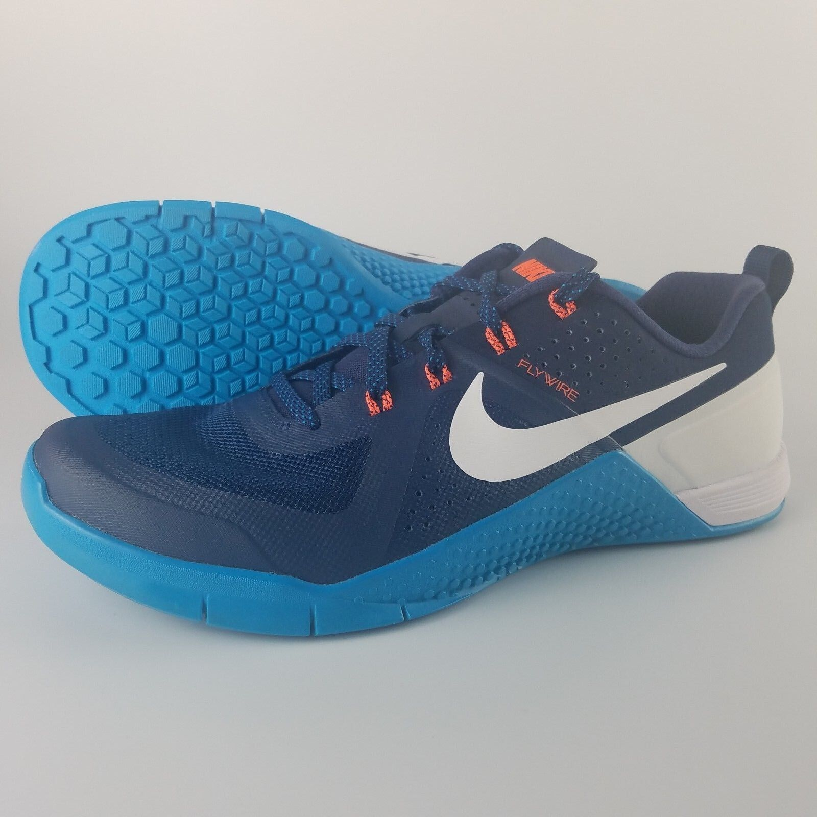 Nike Metcon 1 Running shoes Men's Size 8.5 Navy bluee Lagoon White 704688-404