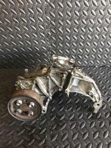 Mazda-6-2-2-Diesel-2007-2011-Jahr-Wasserpumpe-Alternator-Halterung-R2AA15176
