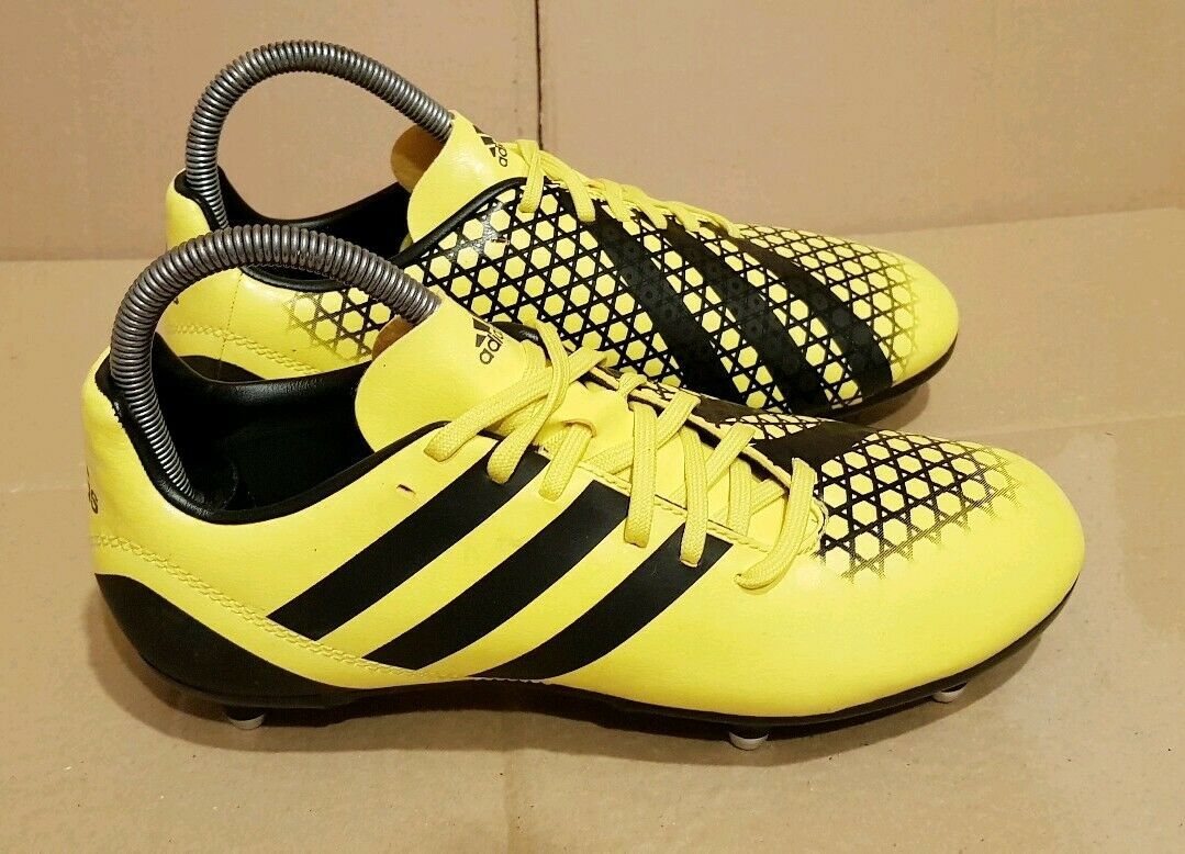 BRAND NEW ADIDAS INCURZA RUGBY BOOTS BRIGHT YELLOW SIZE 4 UK