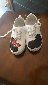 white minnie mouse \u0026 mickey mouse shoes
