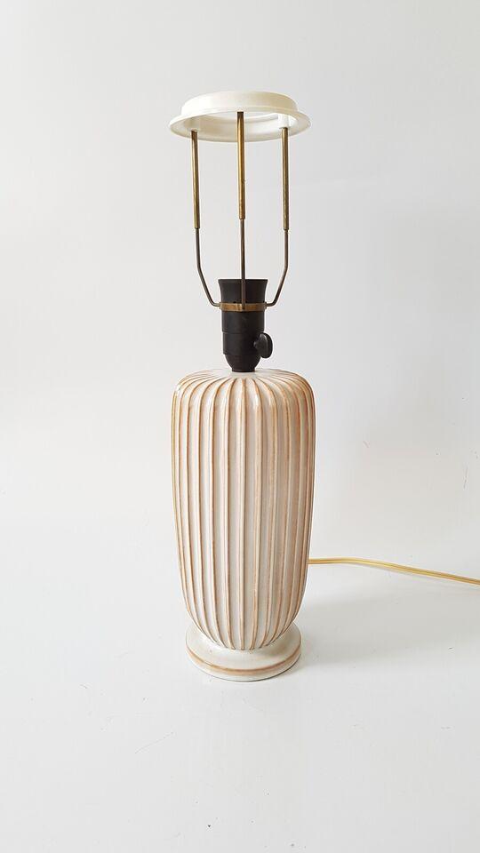 Anden bordlampe, Riflet keramik bordlampe