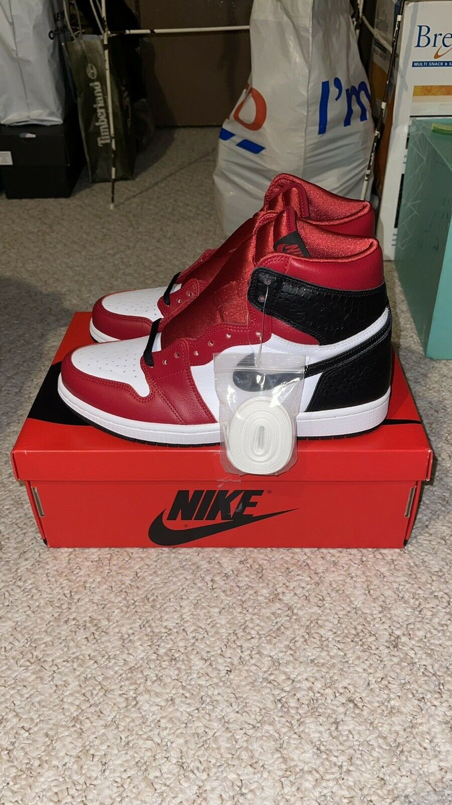 Nike Air Jordan 1 Retro High Satin Snake Chicago UK 6.5 US 9 EU 40.5 *NEW*