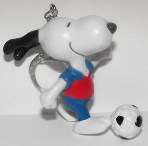 Soccer-Snoopy-2inch-Figurine-Keychain-Peanuts-Miniature-Figure-Key-Chain-SNPK023