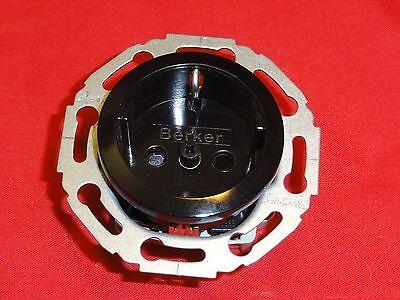 Berker 475501  Schuko-Steckdosel. mit Berührungsschutz RETRO Serie 1930
