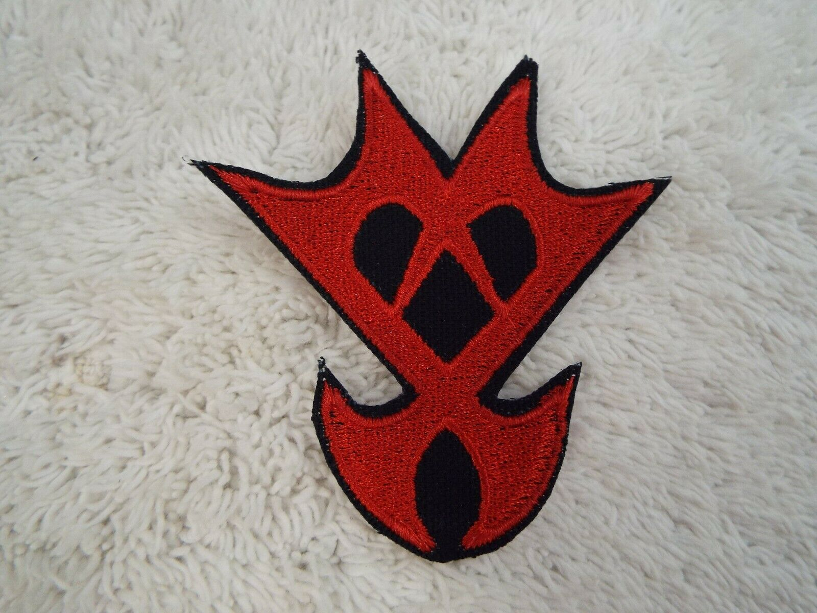 """E16 Kingdom Hearts Red Black HEARTLESS 3-1//2/"""" Embroidery Iron-on Custom Patch"""