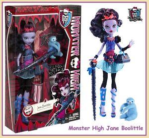 Monster-High-JANE-BOOLITTLE-Doll-Walking-Stick-Pen-amp-Pet-VooDoo-Sloth-Needles-Dr