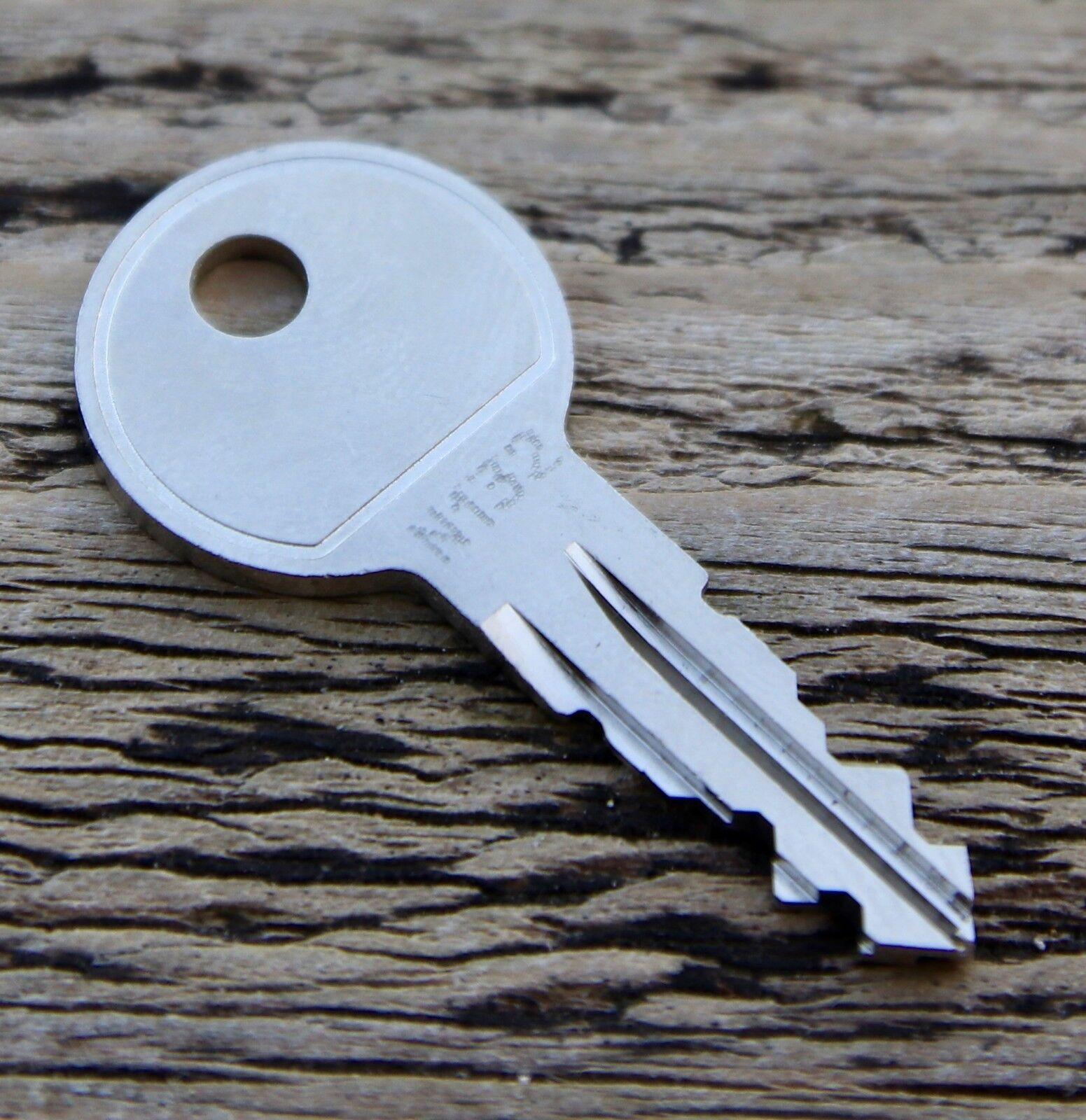 THULE Ersatzschlüssel Schlüssel Heckträger Dachkoffer Dachträger N127